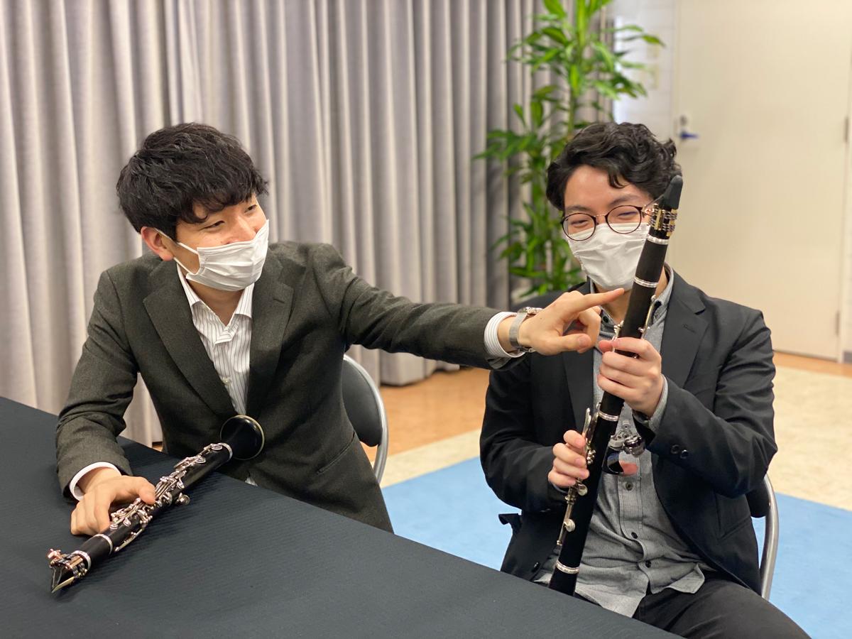 左から、吉本拓さん、三界達義さん